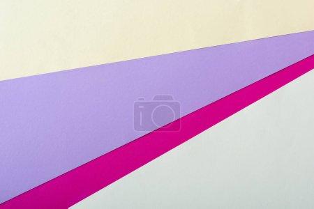 Photo pour Fond géométrique abstrait avec papier coloré - image libre de droit