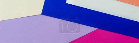 Foto de Fondo geométrico abstracto con papel colorido, plano panorámico - Imagen libre de derechos