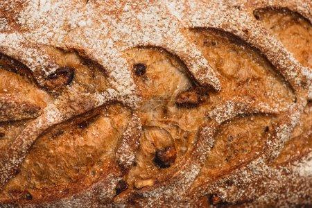 Nahsicht auf frisch gebackene Brotkruste