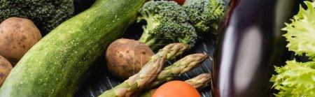 Photo pour Vue rapprochée de légumes colorés mûrs, vue panoramique - image libre de droit
