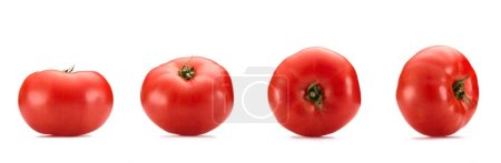 Photo pour Bouchent la vue de tomates fraîches disposées, isolé sur blanc - image libre de droit