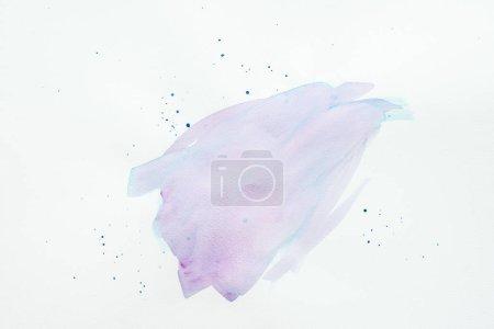 Foto de Resumen movimiento acuarela violeta y azul, con manchas en el papel blanco - Imagen libre de derechos