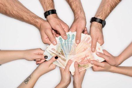 Photo pour Vue partielle du groupe partage billets russes isolés sur fond gris - image libre de droit