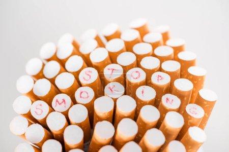 Photo pour Photo de studio de cigarettes isolés sur fond gris, arrêter de fumer concept - image libre de droit