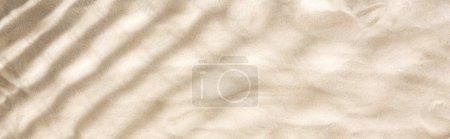 Photo pour Coup panoramique de sable avec des ombres et de l'espace de copie - image libre de droit