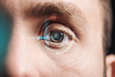 Photo pour Vue rapprochée de l'œil humain avec illustration de données, concept robotique - image libre de droit