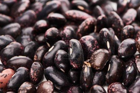 Nahaufnahme von rohen Bio-schwarzen Bohnen
