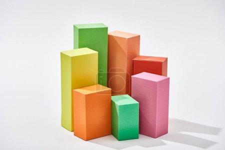 Photo pour Blocs colorés de diagramme de statistique sur le fond blanc - image libre de droit