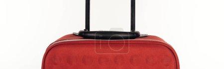 Photo pour Prise de vue panoramique du sac de voyage rouge isolé sur blanc - image libre de droit