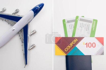 Collage aus Spielzeugflugzeug und Coupon auf Pass mit Flugtickets auf weißem Hintergrund