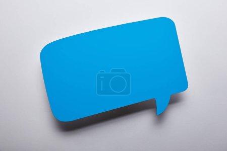 Photo pour Vue du haut de la bulle bleue vide sur fond gris - image libre de droit