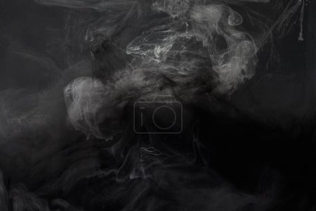 texture abstraite noire avec tourbillons de peinture gris