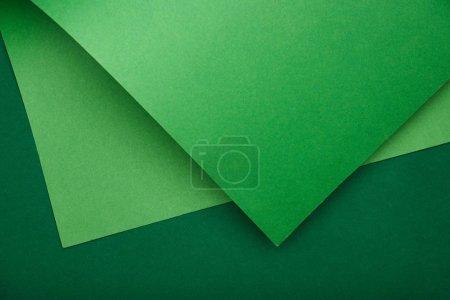 Foto de Vista desde arriba del libro verde sobre fondo color - Imagen libre de derechos
