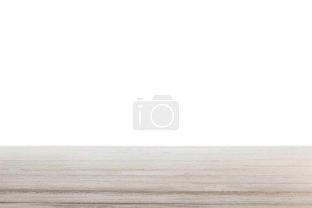 hellgrau gestreifte Holzoberfläche auf weiß