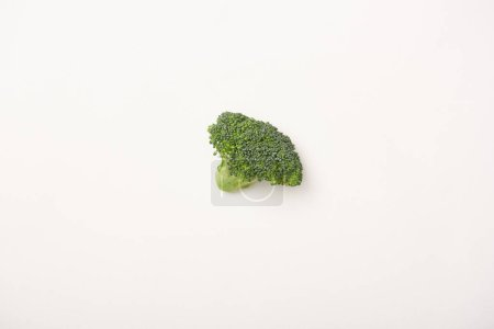 Photo pour Plan studio de brocoli vert sur fond blanc - image libre de droit