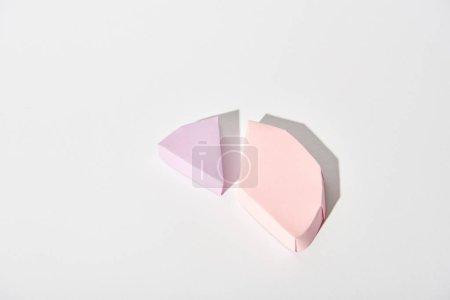 Photo pour Certaines parties de la carte de la figure de papier avec espace copie sur fond blanc - image libre de droit