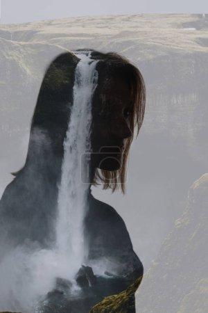Photo pour Double exposition de femme pensive et cascade - image libre de droit