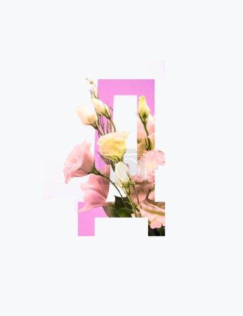 Photo pour Lettre cyrillique avec des fleurs d'Eustoma rose d'isolement sur le blanc - image libre de droit