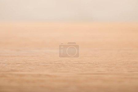 Foto de Enfoque selectivo de fondo de madera beige con espacio de copia - Imagen libre de derechos