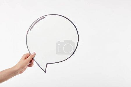 Photo pour Vue recadrée de la femme avec bulle de pensée à la main isolé sur blanc - image libre de droit