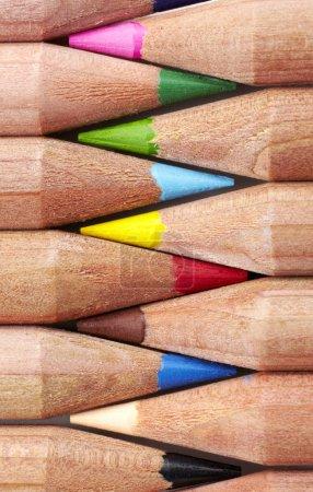 Photo pour Gros plan de crayons colorés isolés sur fond blanc - image libre de droit