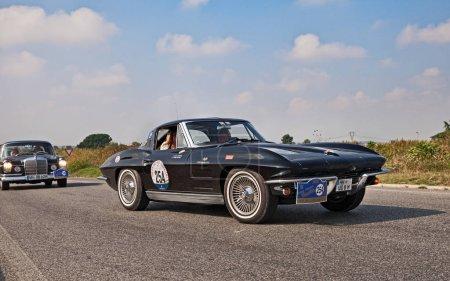 vintage American sports car Chevrolet