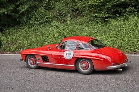 vintage sports car Mercedes Benz