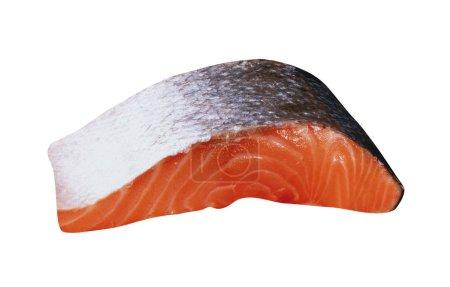 Filet de saumon cru frais isolé sur fond blanc