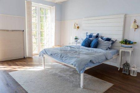 Photo pour Design d'intérieur chambre à coucher de luxe élégant avec un mobilier élégant - image libre de droit