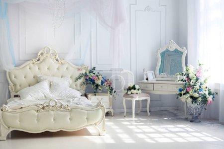 Photo pour Riche décoration intérieure luxe élégant mobilier vintage - image libre de droit