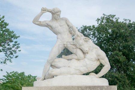 Theseus and Minotaur, 1821, statue by Etienne Jule...