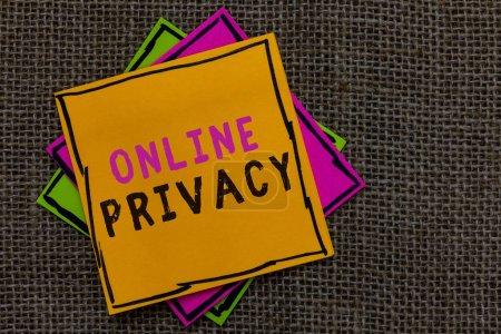 Photo pour Signe de texte montrant la vie privée en ligne. Niveau de sécurité photo conceptuelle des données personnelles publiées via le fond de Jute Internet papier notes rappels importants communiquer idées messages - image libre de droit
