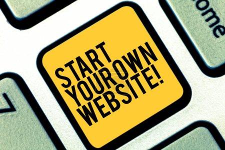 Schreiben Sie eine Notiz, in der Sie Ihre eigene Webseite starten. Business-Foto-Präsentation dienen als Erweiterung einer Visitenkarte eine persönliche Website Tastatur Schlüssel Absicht, Computer-Nachricht drücken Tastatur Idee erstellen.