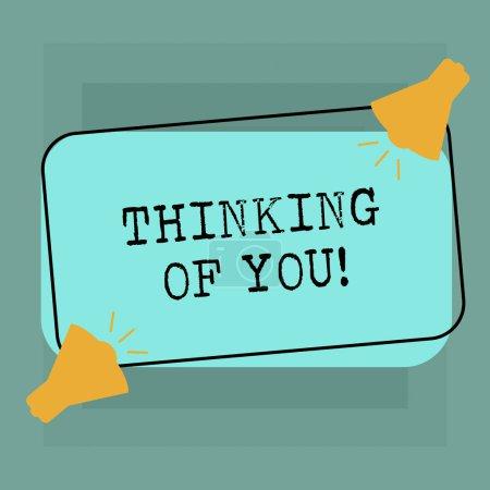 Photo pour Conceptuelle main écrit montrant Thinking Of You. Texte photo entreprise d'avoir quelqu'un sur l'esprit, se rappelant une démonstration avec amour deux mégaphone avec l'icône d'audio sur couleur forme rectangulaire - image libre de droit