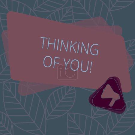 Photo pour Conceptuelle main écrit montrant Thinking Of You. Texte photo entreprise d'avoir quelqu'un sur l'esprit, se rappelant une démonstration avec amour mégaphone à l'intérieur de la Triangle et Rectangle pour annonce - image libre de droit