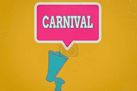 Photo pour Note d'écriture montrant le Carnaval. Concept d'entreprise pour les entreprises itinérantes offrant des divertissements, des expositions, etc. Hu analyse main tenant vers le haut bulle de discours mégaphone - image libre de droit