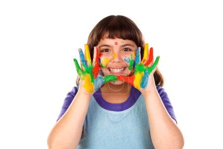 Photo pour Fille drôle avec le visage et les mains recouvertes de peinture isolé sur fond blanc - image libre de droit