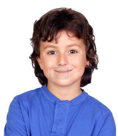 Photo pour Petit enfant drôle avec le cheveu foncé et les yeux bruns d'isolement sur un fond blanc - image libre de droit