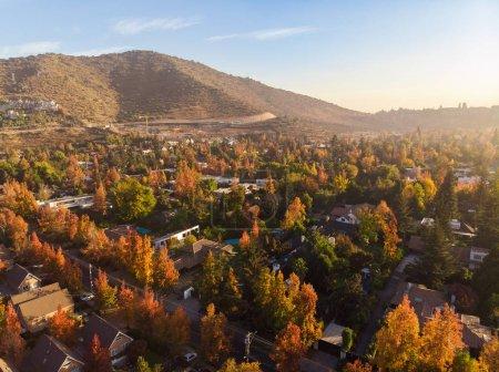 Photo pour Beau paysage urbain d'automne à Santiago du Chili - image libre de droit