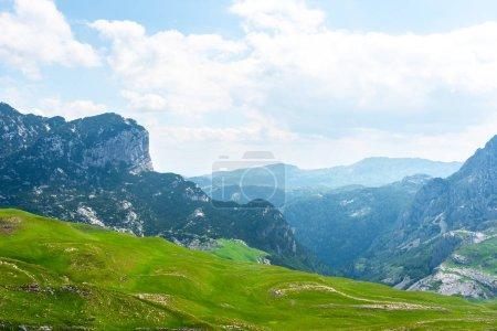 Photo pour Beau massif de Durmitor avec montagnes au Monténégro - image libre de droit