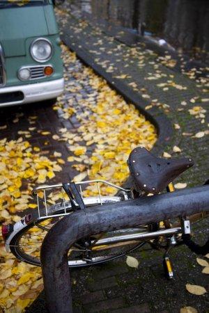 Photo pour Vélo à Amsterdam, Pays-Bas, Europe - image libre de droit