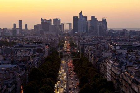 Photo pour Vue du quartier de La Défense, centre d'affaires, Paris, Ile de France, France, Europe - image libre de droit