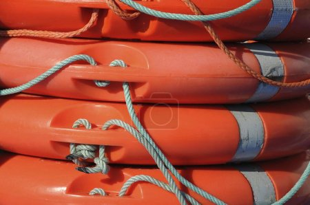 Photo pour Bouées de sauvetage vue de près - image libre de droit