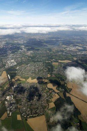 Photo pour Vue aérienne, Aéroport de Duesseldorf et ses environs, Duesseldorf, Rhénanie-du-Nord-Westphalie, Allemagne, Europe - image libre de droit