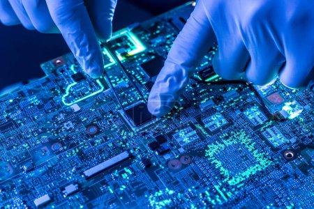Foto de Cerrar hermosa placa de tecnología nano electrónica - Imagen libre de derechos