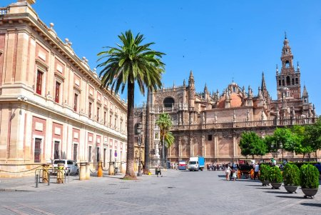 Photo pour Cathédrale de Séville et Archive Of The Indies (Archivo General de Indias), Espagne - image libre de droit