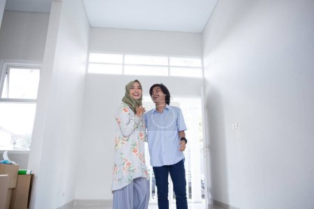 two couple choosing new house