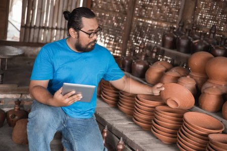 pottery maker with tablet pc