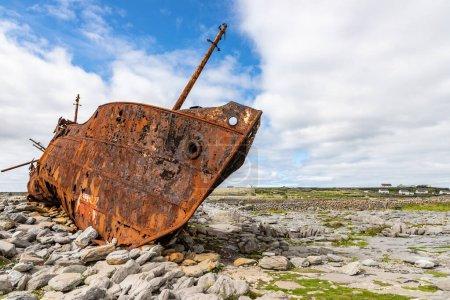 Plassey shipwreck and rocks in Inisheer Island, Ga...