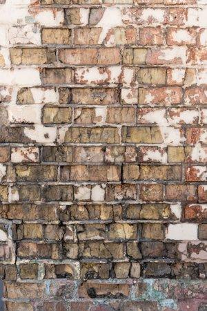 Foto de Antiguo fondo de pared de ladrillo áspero resistida - Imagen libre de derechos